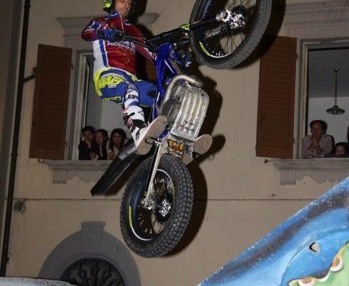 Nuovi video di Daniele Maurino.                Allenamento in palestra ed in casa con la moto