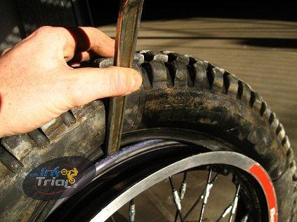 Manutenzione – Sostituire lo pneumatico posteriore